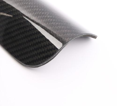 Hot Selling Carbon Fiber Soccer Shin Pads Lightweight Football Shin Pads  Carbon Fiber Soccer Shinguard